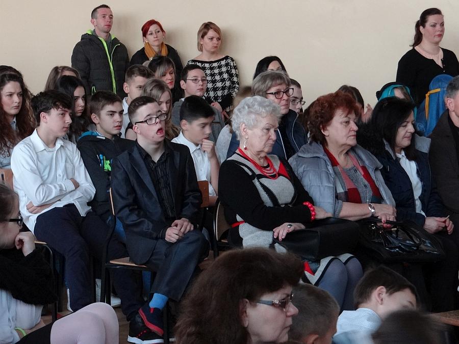 Zespół Szkół w Biesowicach Szkolne spotkanie opłatkowe